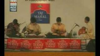 U. Srinivas & U. Rajesh playing mandolin
