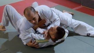 TECHNIKI WALKI - Xande Ribeiro (Side Choke)
