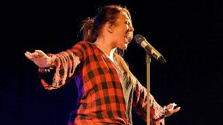 Ewa Farna  -  Boky jako skříň @ One Stage 2016 tour Karlovy Vary