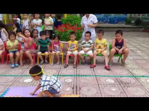 Olympic Thể thao trường Mầm non Thăng Long Kidsmart - Trò chơi ghép thảm màu