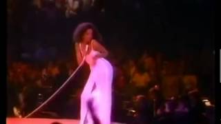 Diana Ross & Michael Jackson sing  UPSIDE DOWN - Live @ Forum- 1981