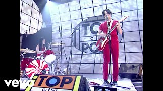 Fell In Love With a Girl (Live on Top Of The Pops 2002)