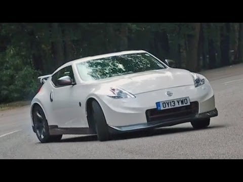 Nissan 370Z Nismo vs The Snake - speed challenge