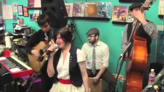 April Smith and the Great Picture Show - Drop Dead Gorgeous - Live