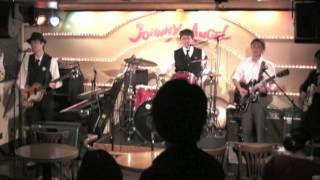 "The Beatles Tribute Band in Japan ""Suzy Parker"" plays ""If You've Got Troubles"""