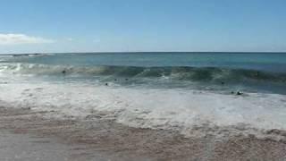 preview picture of video 'Mega Waves - Waimea Bay, Oahu, Hawaii'