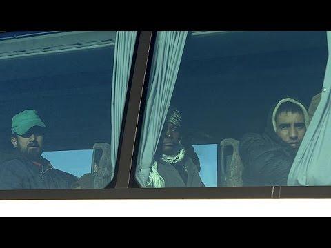 Ειδομένη: Ξεκίνησε η μεταφορά των μεταναστών στην Αθήνα