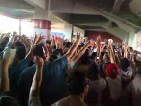 """""""Hoy te venimos a ver - LOS CRUZADOS 21/11/2010"""" Barra: Los Cruzados • Club: Universidad Católica"""
