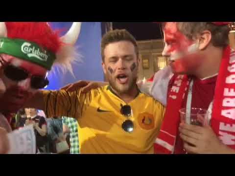Как болельщики развлекались после матча Дания - Австралия