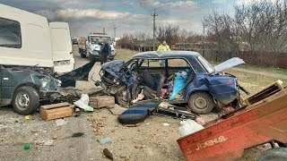 ВИДЕО АВАРИЙ ДТП АВТОМОБИЛЕЙ И МОТО СНЯТЫХ НА ВИДЕОРЕГИСТРАТОР Car Crash Channel № 21