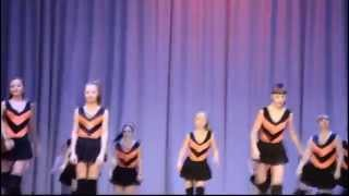 Knife Party Vs Russian Twerking Schoolgirls Eng Version