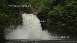 夏の法体の滝