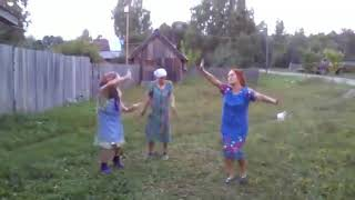 Бабушки показали мастер класс