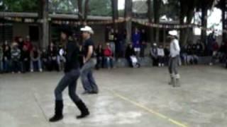 Dança Escolar Country 1ºA Tall tall Trees (Allan Jackson)