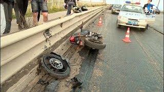 Состоятние мотоциклиста, попавшего в серьезное ДТП на Колмовском мосту, остается стабильно тяжелым