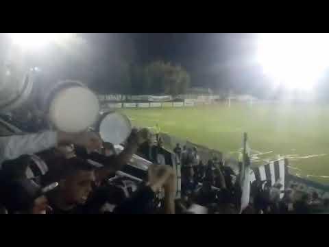 """""""Gimnasia de Mendoza (los famosos 33)"""" Barra: Los Famosos 33 • Club: Gimnasia y Esgrima de Mendoza • País: Argentina"""