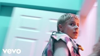 Love Is Free - Robyn (Video)