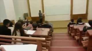 Смотреть онлайн Разъяренный учитель психанул на двоечника