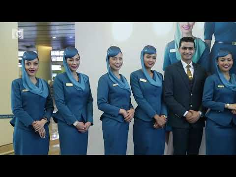 Oman Air unveils new uniforms for cabin crew