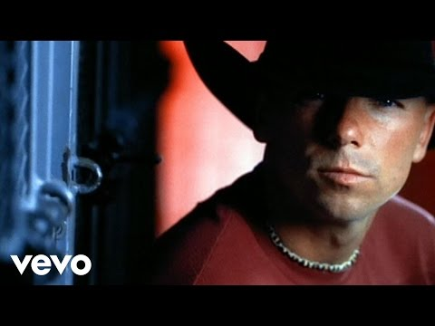 Kenny Chesney – There Goes My Life