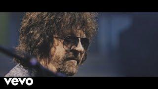 Kadr z teledysku Time of Our Life tekst piosenki Jeff Lynne