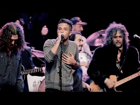 "Handle with Care (Live) [Feat. Wayne Coyne, ""Weird Al"" Yankovic, Jonathan Bates]"