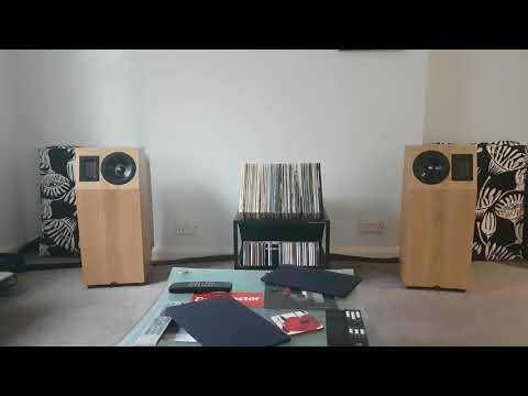 Neat Acoustics IOTA XPLORER Loudspeakers