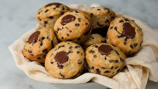 Chocolate-Filled Banana Muffins