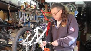 Crank Adjustment - Chain Line - Sunday Aaron Ross EX Pro BMX Bike Repair Finale - BikemanforU