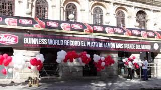 Tello bate el Record Guinness del Plato de Jamón