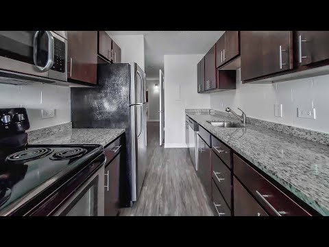 Tour a Gold Coast / River North F-tier 2-bedroom at Chestnut Place