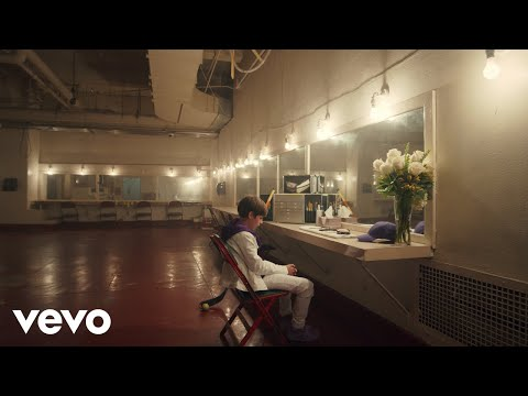 Justin Bieber & benny blanco - Lonely (Official Music Video)