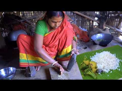 Village farm fresh Broccoli with Potato & Beans Curry recipe for cooking her lunch preparation
