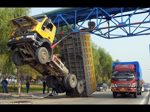 CRAZY Truck Crashes, Truck Accidents Compilation 2015 - Part5 Mp3
