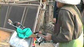 preview picture of video 'Nicolas Sirot - Tour du Monde à vélo 1998 / 1999 - Chine'