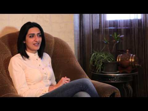 """""""Հայերէն չըմ գինը"""" (""""I do not speak Armenian"""")"""