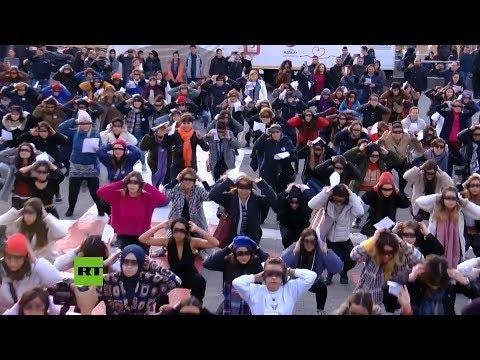 Enfrentamientos y detenciones en Estambul por un 'flashmob' contra los feminicidios