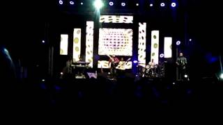 "Jonathan Butler ""Many Faces - Guitar and Bass Solo"" Live At the windhoek Jazz Festival 2015"