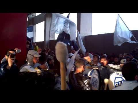 """Independiente vs QUILMES"" Barra: Indios Kilmes • Club: Quilmes • País: Argentina"