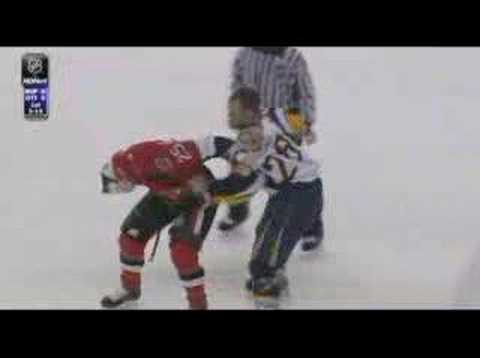 Paul Gaustad vs Chris Neil