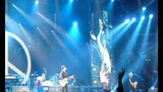 Give peace a chance - Beatles - Paul Mc Cartney - Bercy 09 - Montage