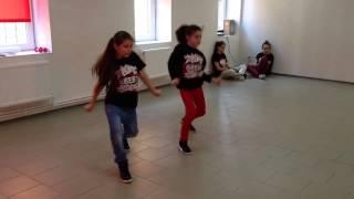 Нетипичная Махачкала Девочки танцуют Хип хоп (HipHop Dance)