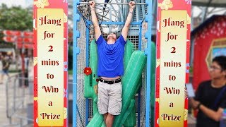 Download Video Hang Challenge is the HARDEST Carnival game ever!! MP3 3GP MP4