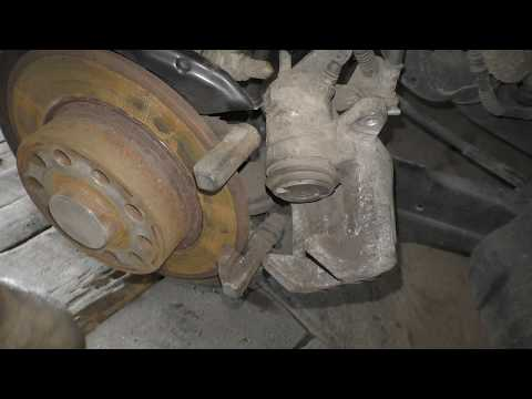 Замена задних тормозных колодок на Фольксваген Джетта 6 - VW Jetta 6