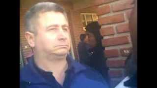 preview picture of video 'EN GUERNICA, EN PLENA MARCHA POLICIAS HABLAN CON MANIFESTANTES'
