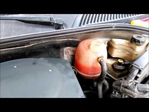 Die Kanister für das Benzin in kasachstane
