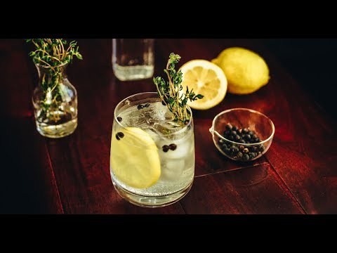 Video Spanish Gin & Tonic Cocktail Recipe - Liquor.com