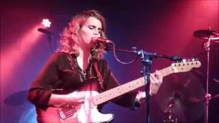 Anna Calvi @ The Glasgow Arches: Suzanne & I