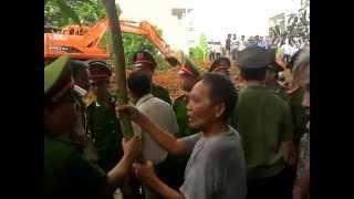 preview picture of video 'cưỡng chế đất đai giữa thành phố Thái Nguyên'