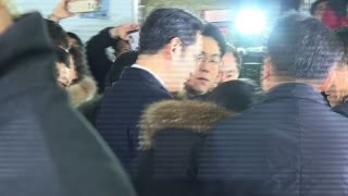Samsung heir quizzed as suspect in Park scandal